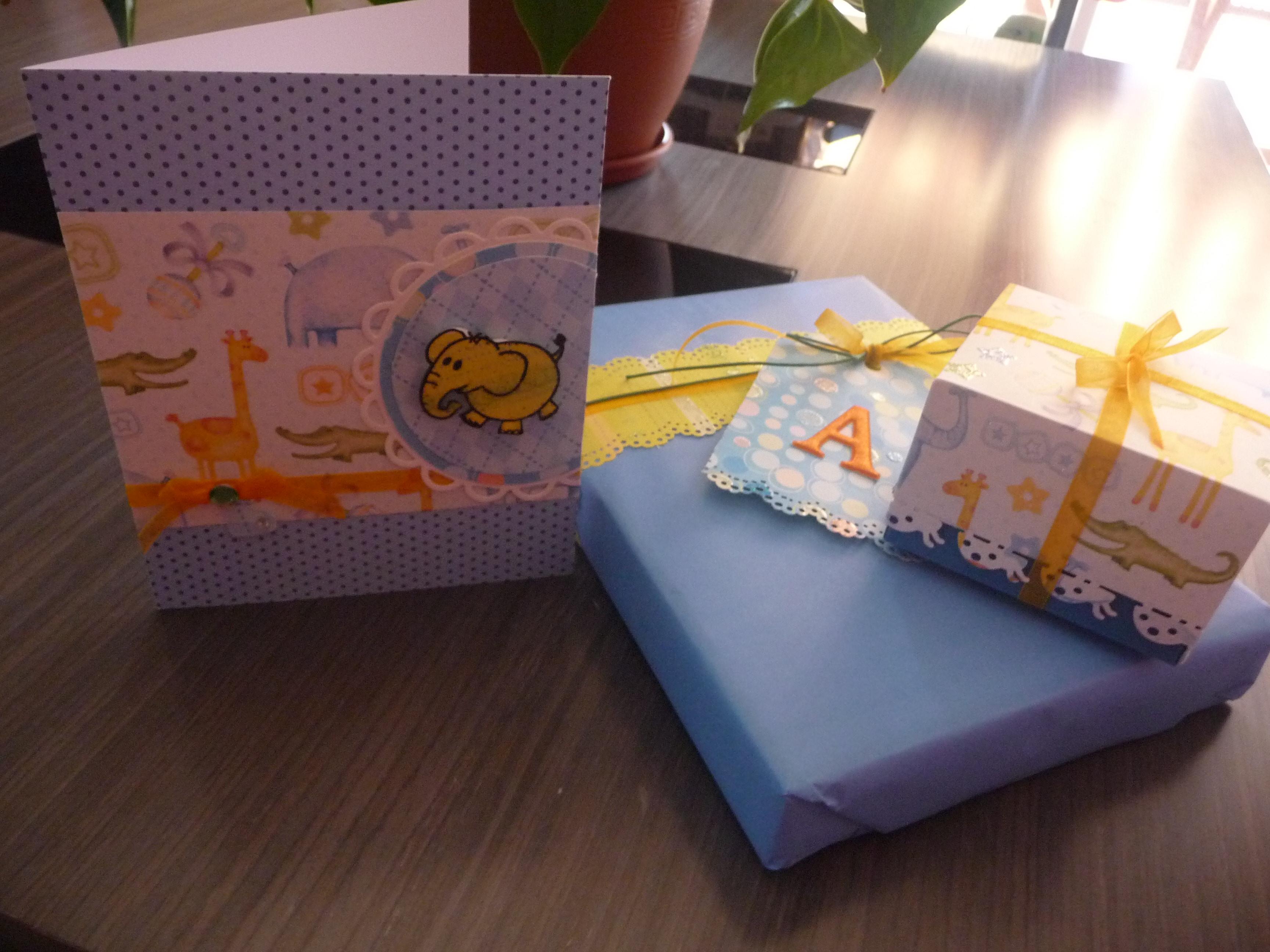 Tarjeta + packaging bebe