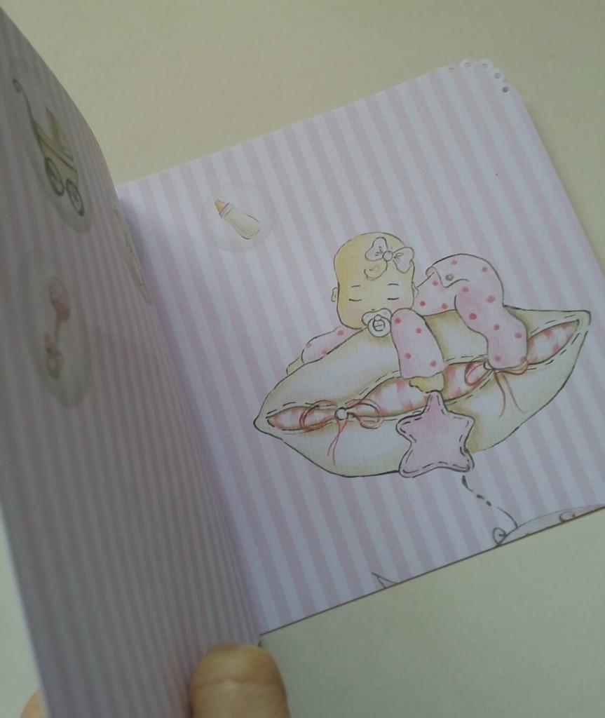 Detalles de scrapbook para el bautizo de Olivia