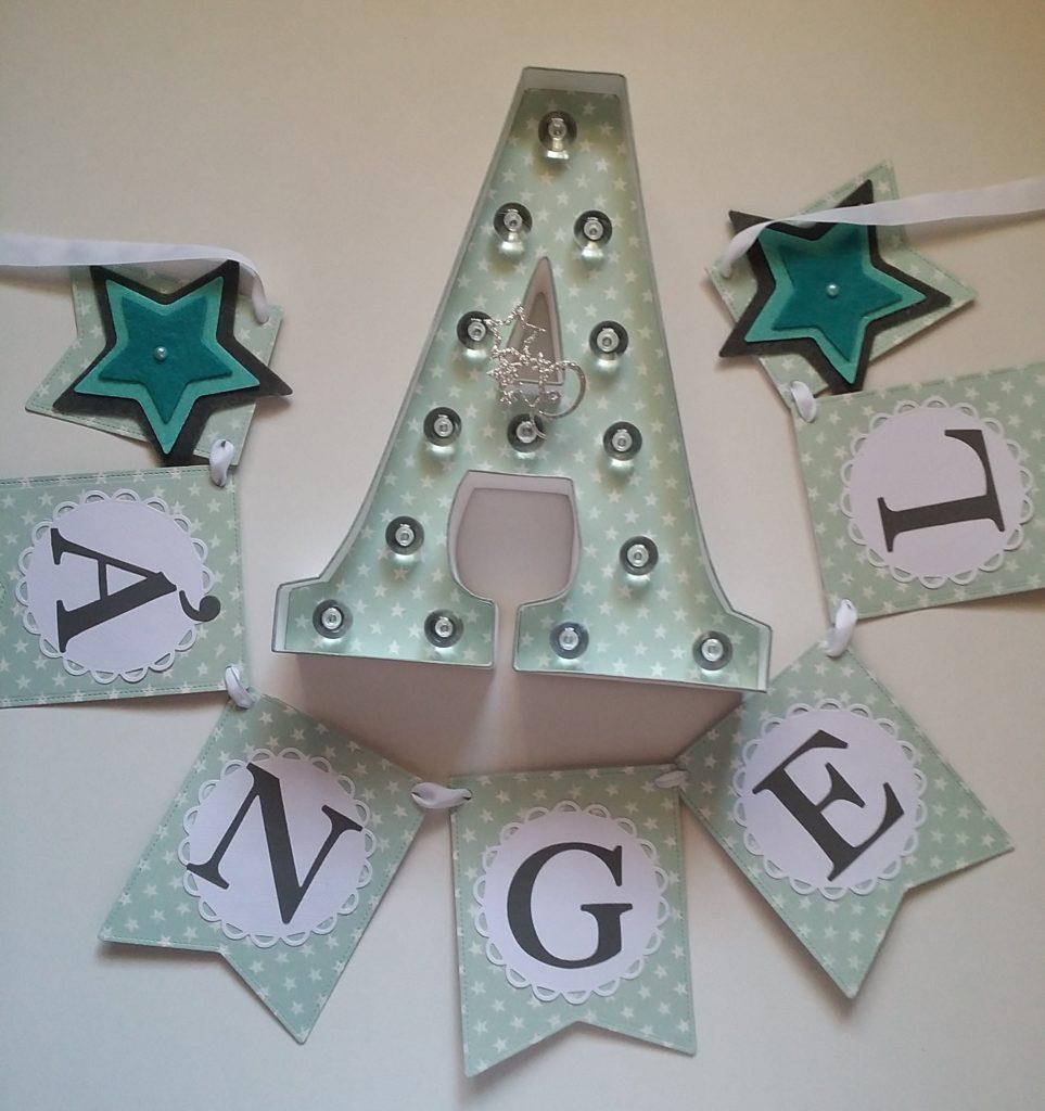 Guirnaldas de scrapbook y letras de luz personalizadas ANGEL