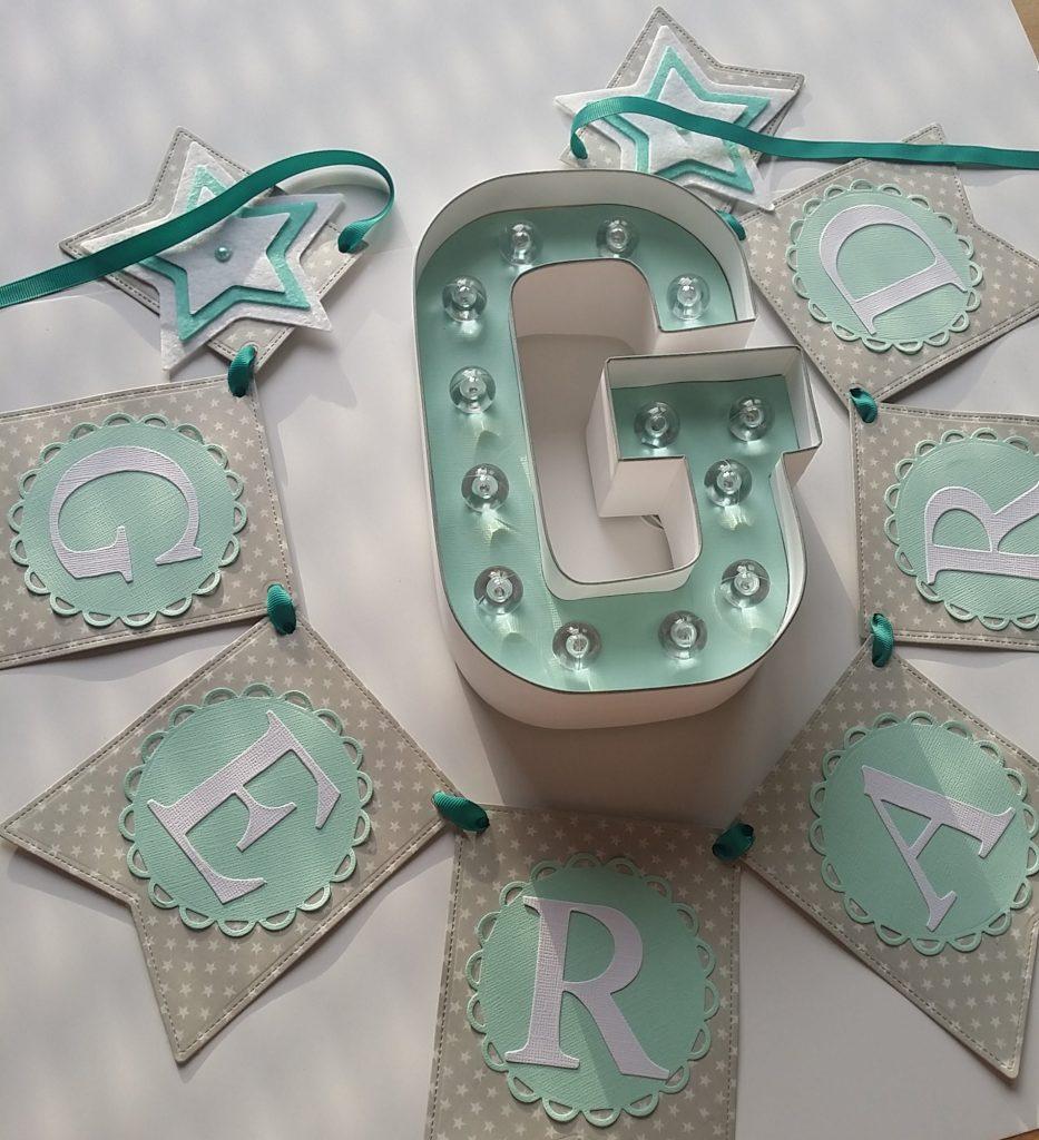 Guirnaldas de scrapbook y letras de luz personalizadas GERARD