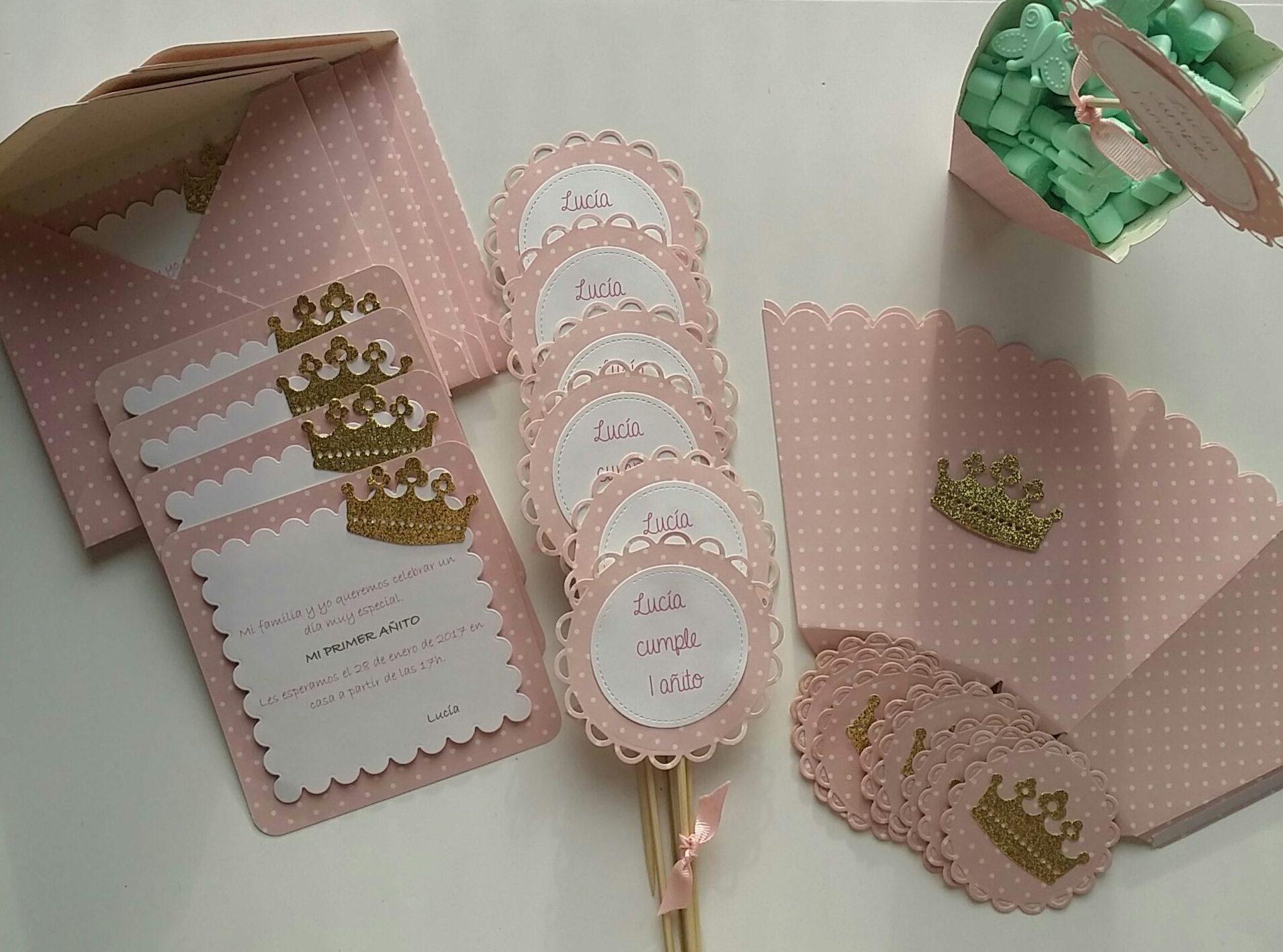 Detalles de scrapbook para la mesa dulce de luc a en rosa for Decoracion de cumpleanos rosa y dorado